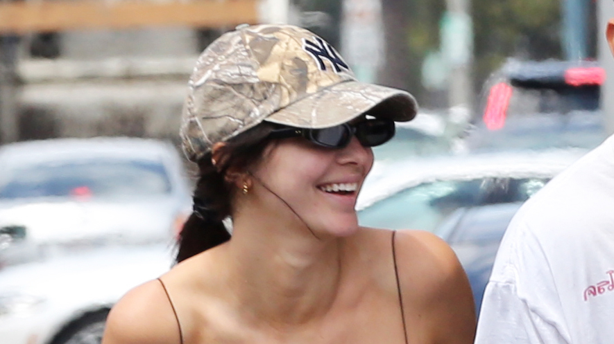Kendall Jenner physique lunch Cheesecake Factory