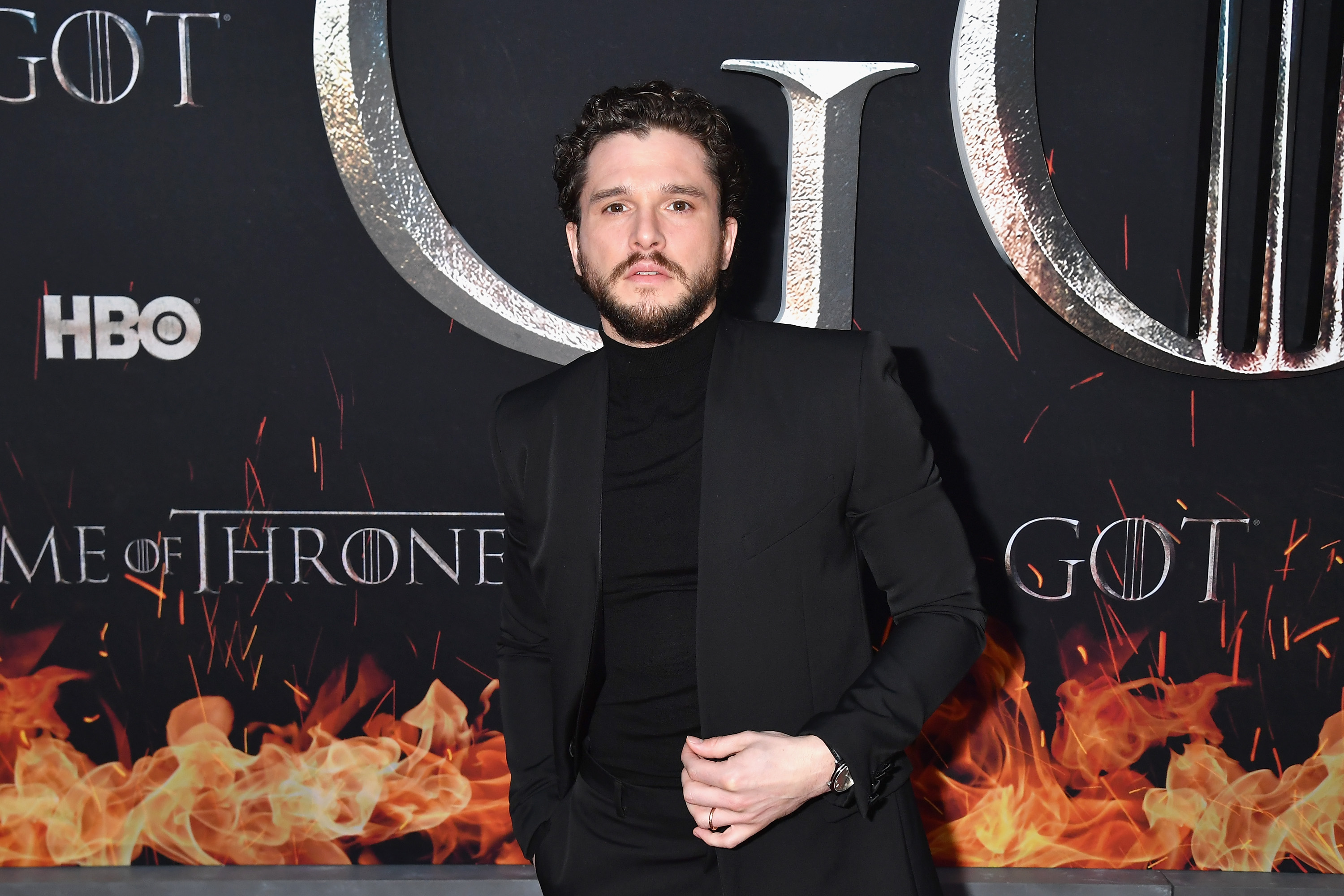 Kit Harington Without A Beard See Got Actor S Shaved Face
