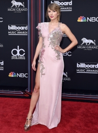 Most Iconic BBMA Outfits Taylor Swift 2018