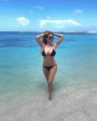Playboy model Shanna Moakler tummy tuck confident bikini selfie
