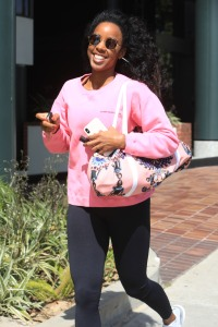 kelly-rowland-leggings