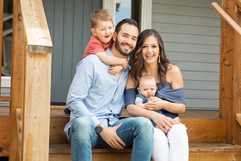 Desiree Hartsock with Chris Siegfried and Her Kids