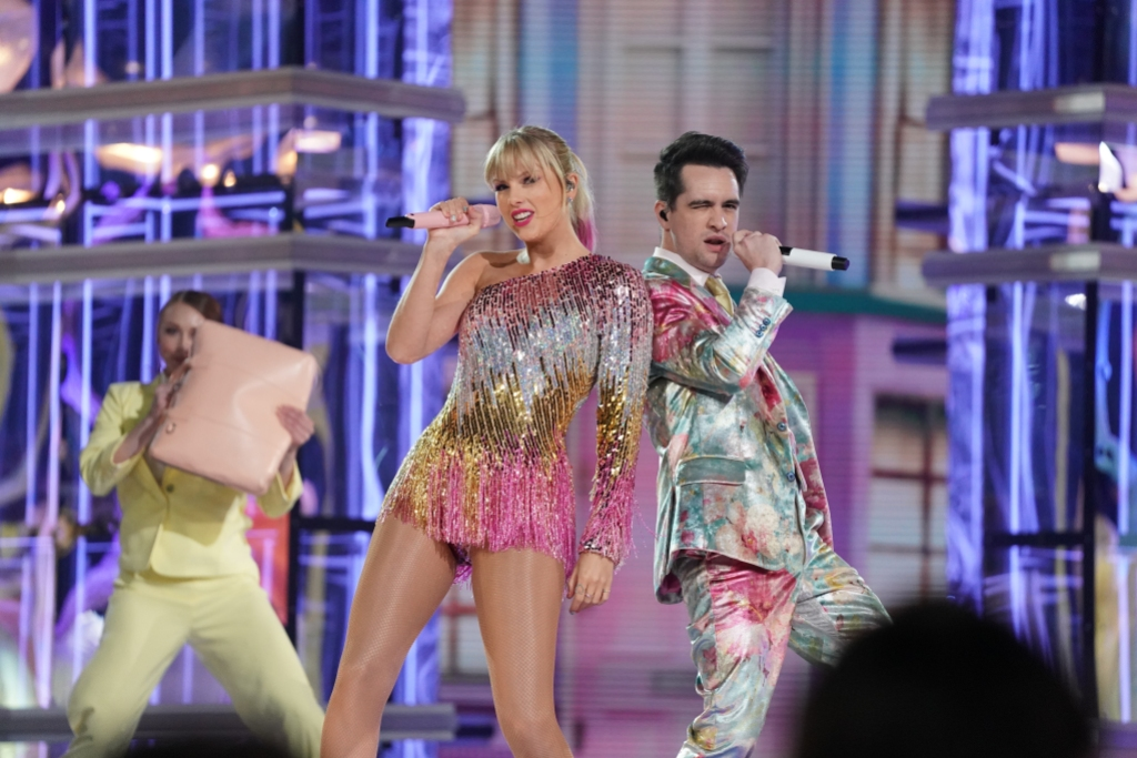 Taylor Swift Brendon Urie 2019 BBMAs Me performance
