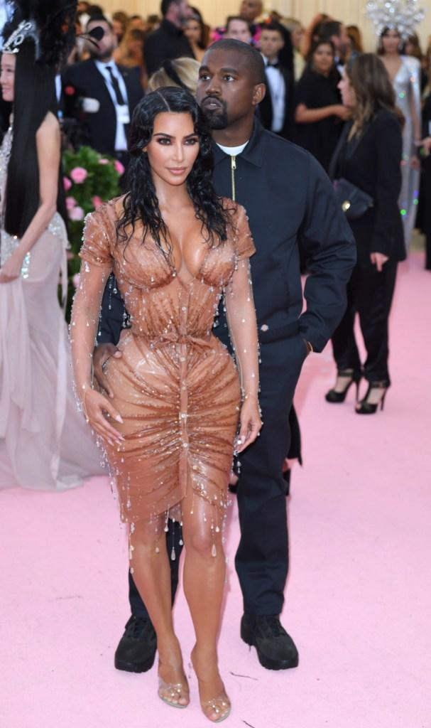Kim Kardashian met gala waist tiny corset weight loss