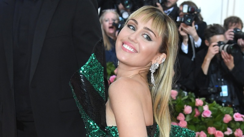 Miley Cyrus Flaunts Her Perky Booty in Black Lacy Underwear