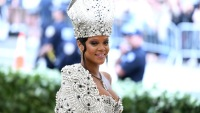 Rihanna 2018 met gala not at met gala pope costume