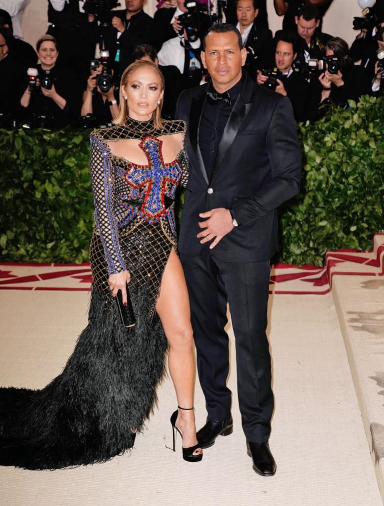 Jennifer Lopez Alex Rodriguez 2018 met gala cross dress black tux