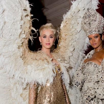 Katy Perry Rihanna met gala 2018 heavenly bodies pope costume angel wings met ball