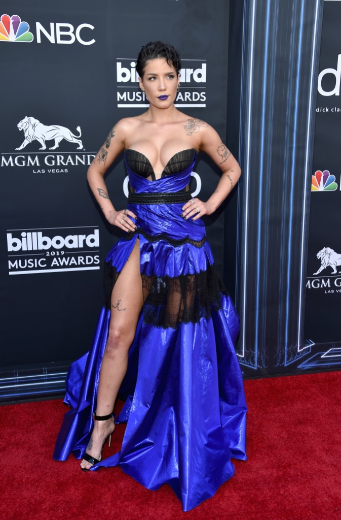 Halsey S Billboard Music Awards Dress Is Edgy And Sexy