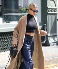 Hailey Baldwin nyc justin bieber marriage street style clothing outfits casual clothes