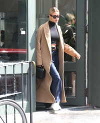 Hailey Baldwin justin bieber style fashion street style casual clothes