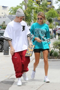 Justin Bieber and Hailey Baldwin head for lunch at Zinc date los angeles street style marriage
