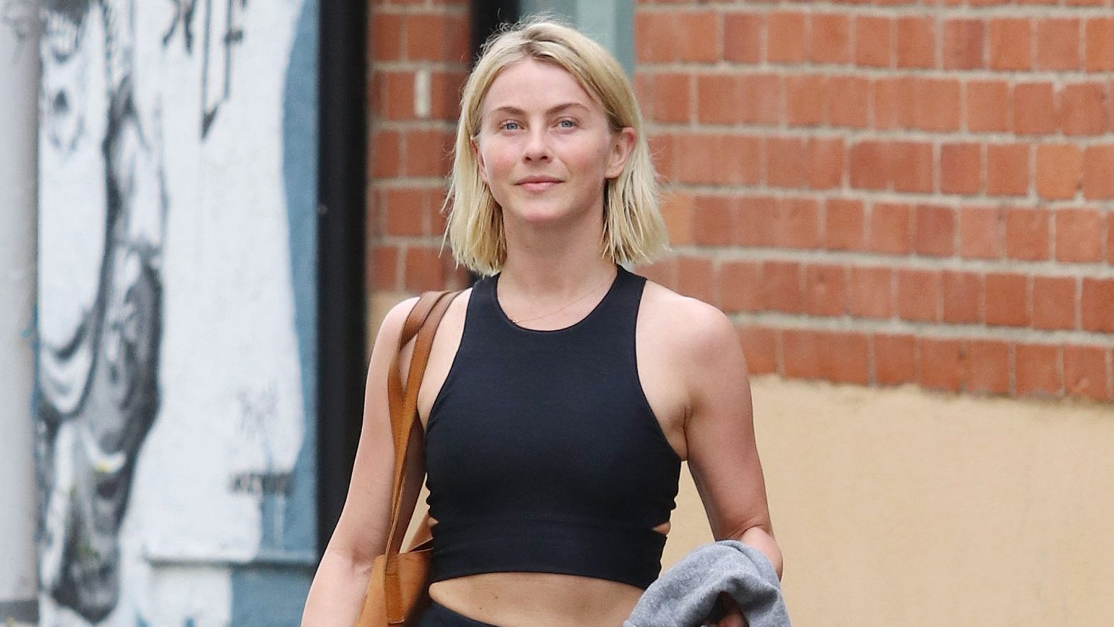 Lookin' Good! 'DWTS' Alum Julianne Hough Shows Off Her Enviable Abs While Walking Into the Gym