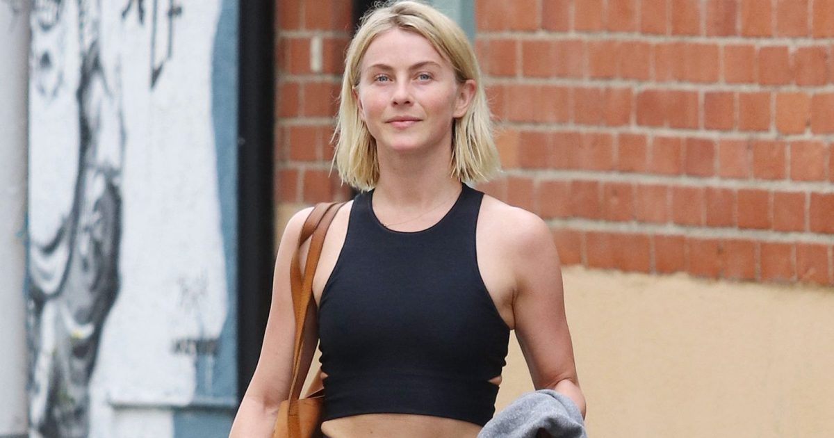 Julianne Hough Shows Off Her Incredible Abs While At The Gym
