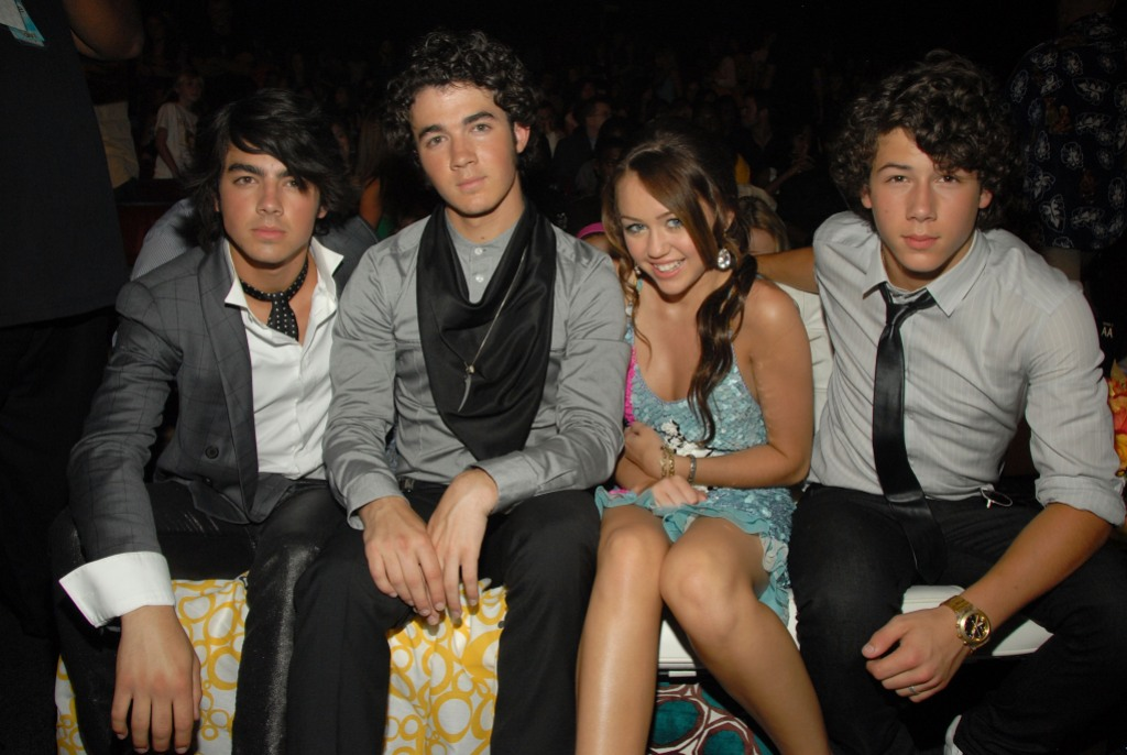 miley cyrus and the jonas brothers