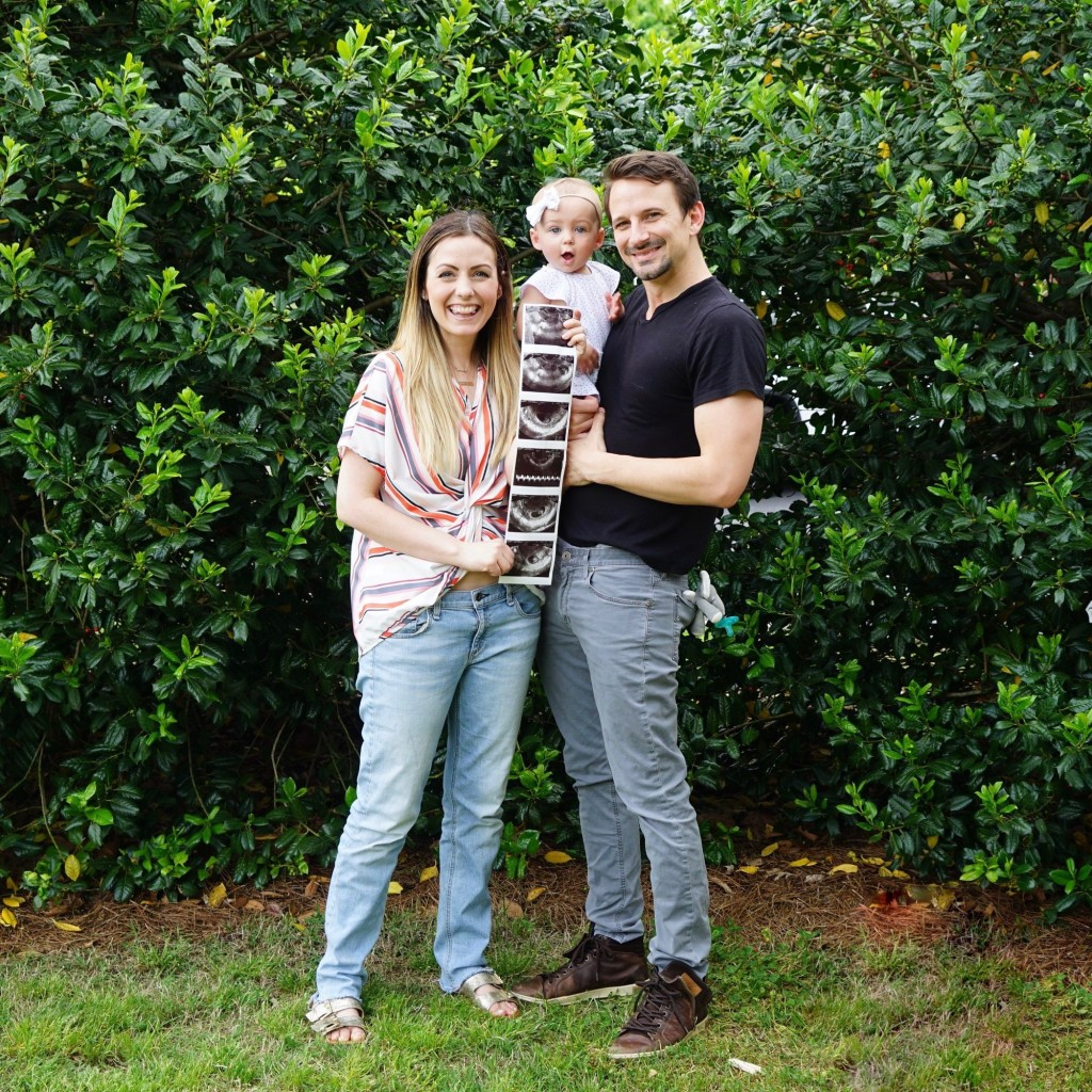 Carly Waddell Evan Bass and Isabella with sonogram pics baby no 2 bachelor bachelor in paradise