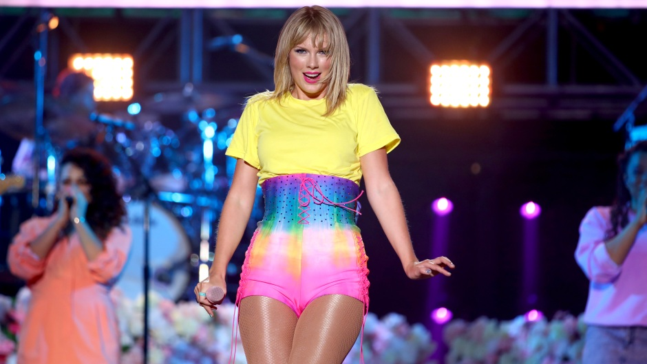 Taylor Swift On Stage yellow Shirt Rainbow Skirt New Album
