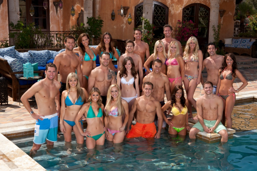 Bachelor Pad Season 3 Cast Stands in the Pool