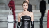 Irina Shayk Walks the Runway in Italy for the First Time Since Split From Bradley Cooper