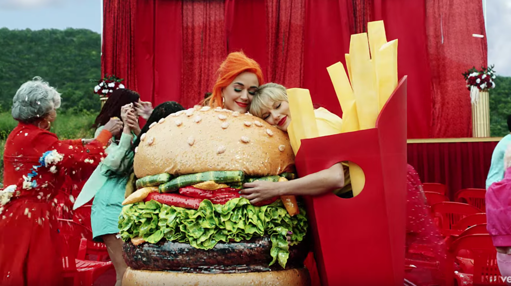 katy perry and taylor swift hug in  u0026 39 you need to calm down