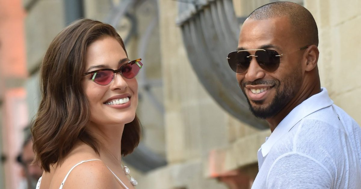 Ashley Graham Wedding.Ashley Graham And Justin Ervin Celebrate Joe Jonas And