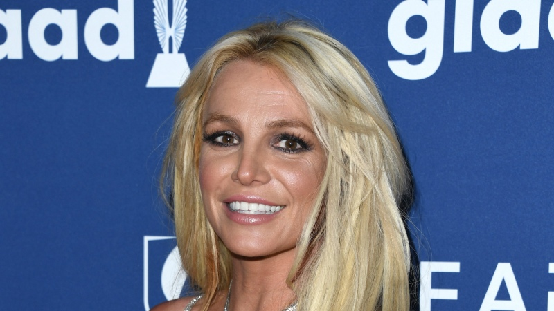 Britney Spears Works Out While Makeup-Free on the Treadmill: Watch