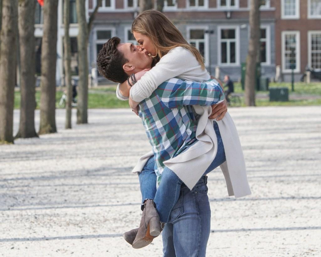 Bachelorette Hannah Brown Tyler Cameron Kissing
