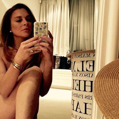Lindsay Lohan Rocking a Naked Selfie