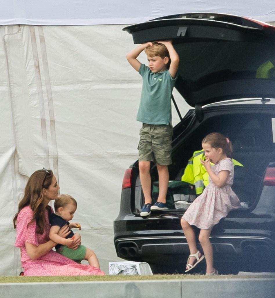 Kate Middleon, Prince George, Princess Charlotte, and Prince Louis