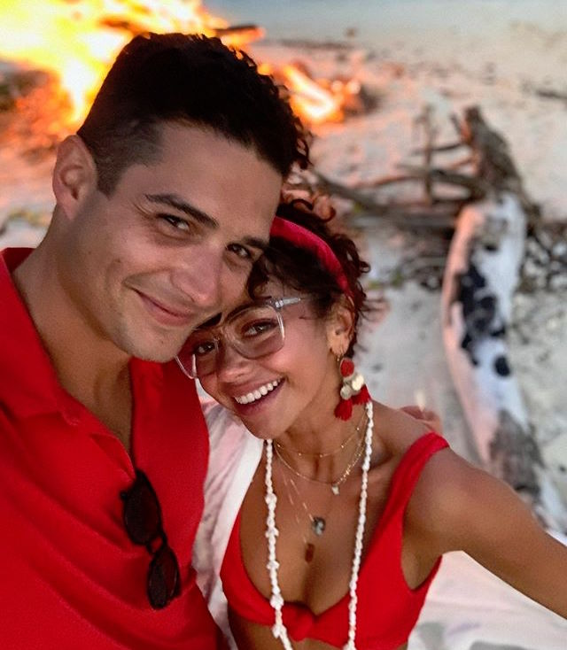 Wells Adams and Sarah Hyland Take Selfie Wearing Red on the Beach