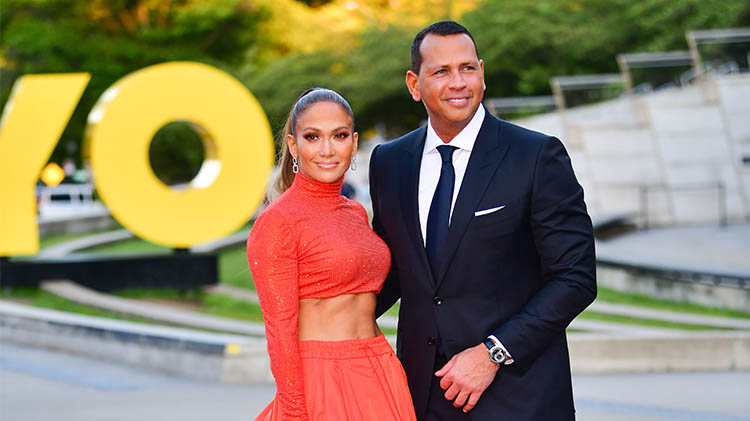Jennifer Lopez Sweetly Serenades Alex Rodriguez for His Birthday Onstage at Her Miami Concert