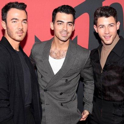 Jonas-Brothers-Arrivals-Red-Carpet-VMAs-2019