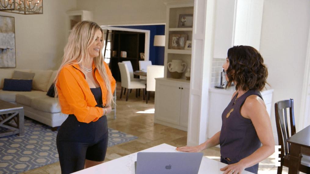 Autumn and Khloe Kardashian Wearing an Orange Sweater on Revenge Body