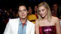 cole sprouse lili reinhart back together