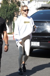 Hailey Baldwin in Workout Clothes