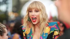 Taylor Swift Excited at 2019 MTV VMAs Performance of Lover and You Need to Calm Down