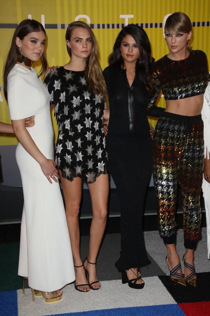 Hailee Steinfeld, Selena Gomez, Cara Delevingne, Taylor Swift 2015 MTV Video Music Awards
