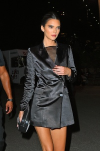 Kendall Jenner wearing all black and walking in NYC
