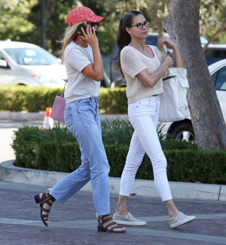Sofia Richie Bonds With Mom Diane Alexander Over Lunch