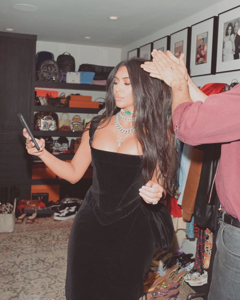 Kim Kardashian Emmys Dress With Green Necklace Behind the Scenes Photos Getting Ready