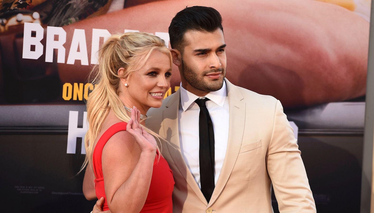 som er Britney Spears dating