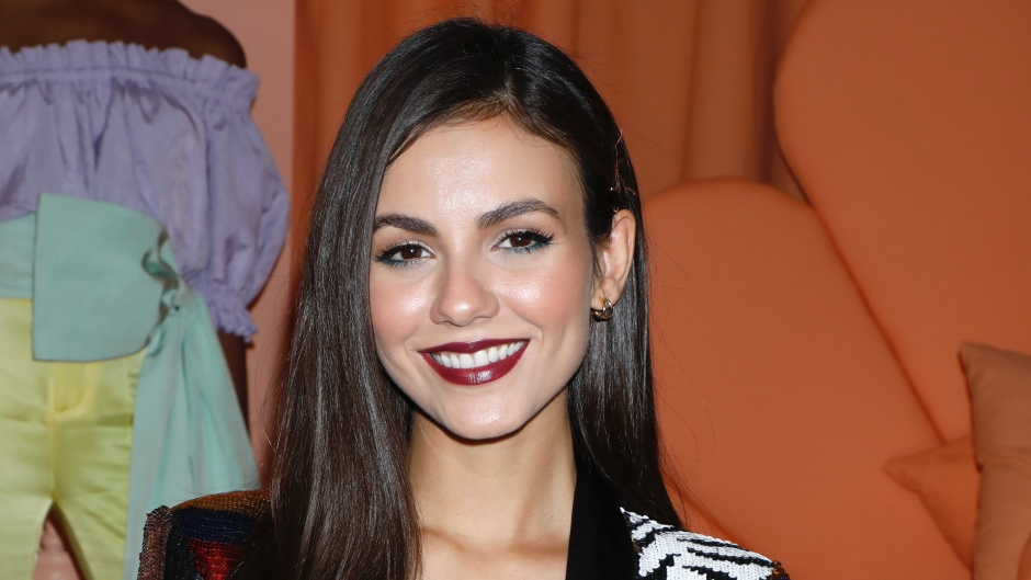 Victoria Justice Patterned jacket Zoey 101 Reboot