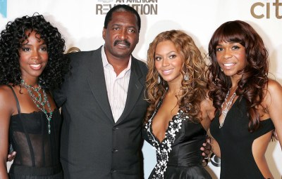 Destinys Child and Mathew Knowles - Kelly Rowland, Mathew Knowles, Beyonce Knowles and Michelle Williams
