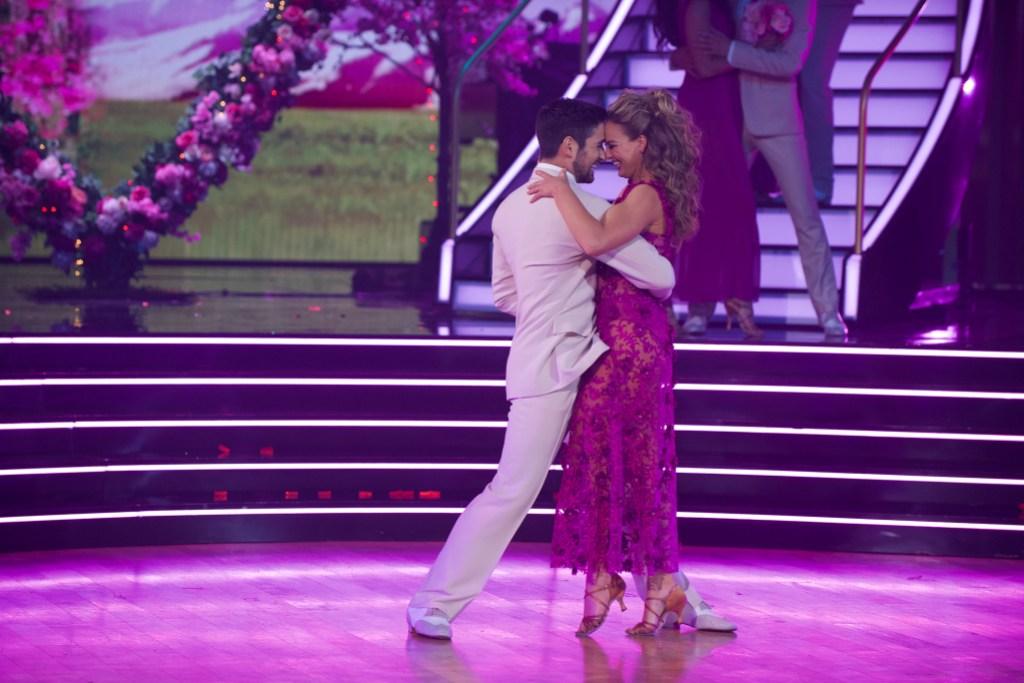 ALAN BERSTEN, HANNAH BROWN Rumba to Wilson Philips Week 3 of Dancing With the Stars
