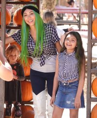 Farrah Abraham and daughter Sophia pose for Halloween photos