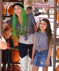 Farrah Abraham and Daughter Sophia Wear Matching Plaid Crop Tops, the Reality Star Reveals Their Upcoming Halloween Costumes