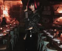 Hailey Baldwin Halloween Costumes, Punk Rocker