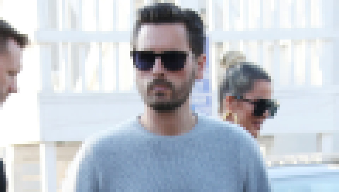 Scott Disick in a Gray Sweater, How Does Scott Disick Make His Money
