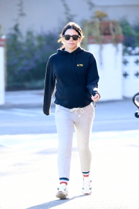 What a Mood! Jenna Dewan Flaunts Her Growing Baby Bump in Chic and Comfy Sweats