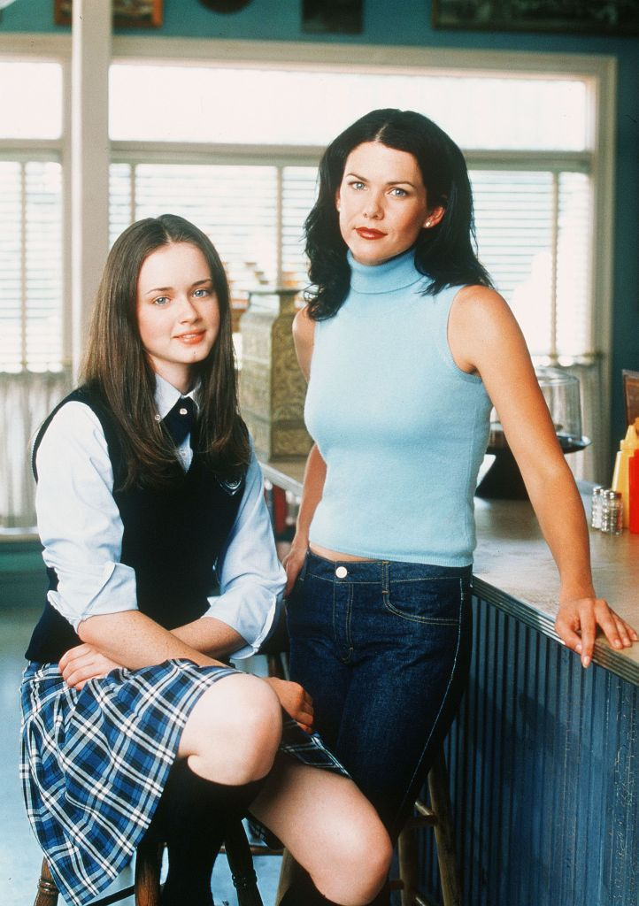 The Gilmore Girls - 2000 Rory and Lorelai at Luke's Diner